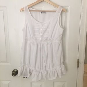 MATERNITY sleeveless white top with lace (8)